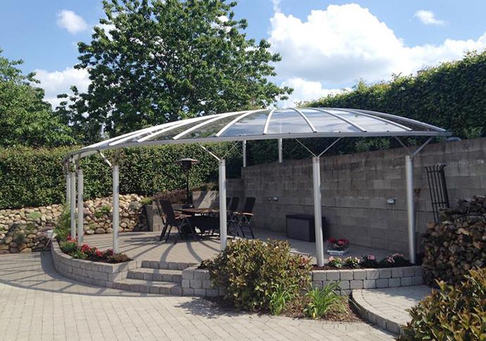 Folkekære BASES terrasse overdækning i et utraditionelt design - bygogbolig IB-03