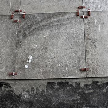 Fliseudstilling byder indenfor med de helt store formater på gulvet - bygogbolig