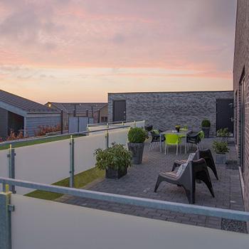 Smukt læhegn om din terrasse - bygogbolig
